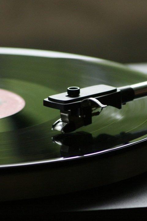 4# Scompare il CD ma torna in vinile